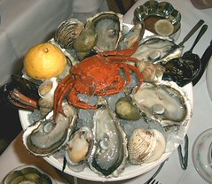 fish(0.0), animal(1.0), clam(1.0), oyster(1.0), seafood(1.0), invertebrate(1.0), food(1.0), dish(1.0), cuisine(1.0), clams, oysters, mussels and scallops(1.0), mussel(1.0),