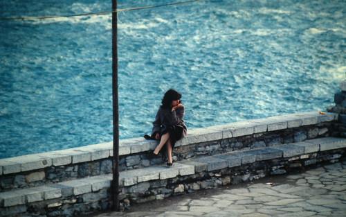 Marzo 1982 Portovenere Femmina, woman thinking  043