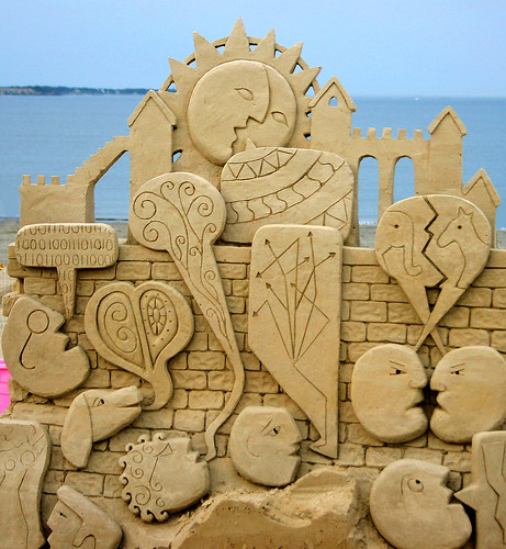 ABSTRACT SAND SCULPTURE