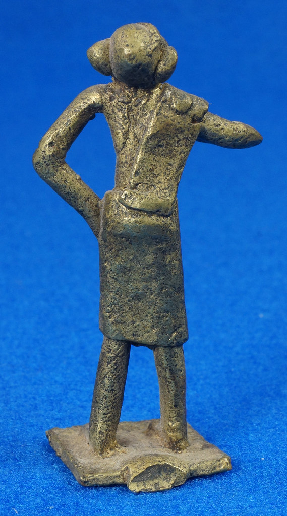RD15105 4 Vintage African Hand Made Folk Art Primitive Figurines Solid Cast Brass Burkina Faso Yoruba West Africa DSC07131