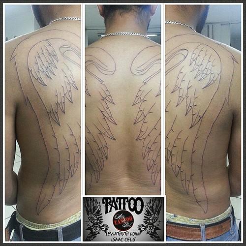 Primer sesion......  #alas #espalda #delibeado #tattooarteypiel #tatuajes #artisticos #leviathoth #odhin #isaascelis #aguascalientes #mexico #tattooink #tattooist #tattooart #tattoo