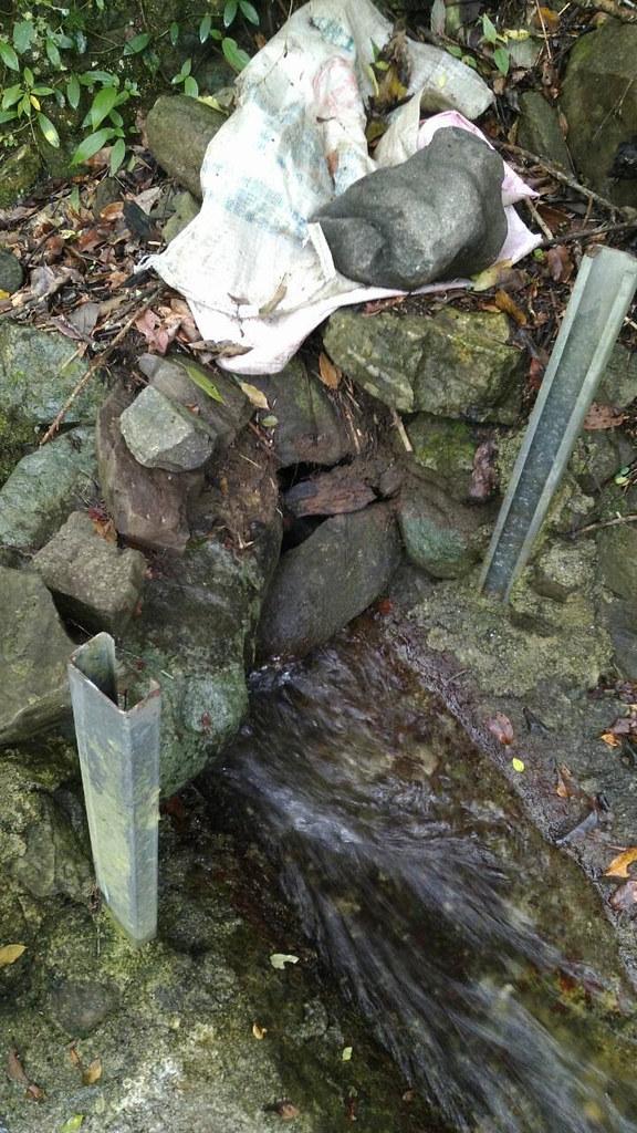 現代利用C型鋼與人造擋片的擋水設施