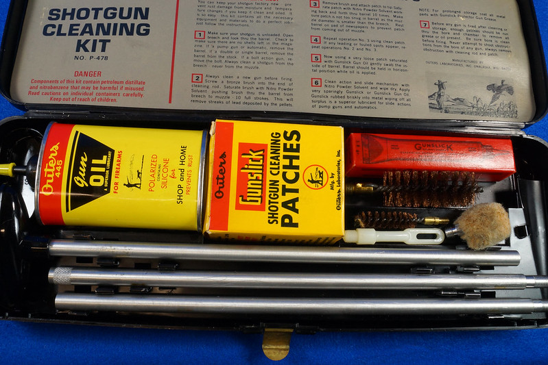 RD14438 Vintage Outers 12 Guage Shotgun Cleaning Kit # P-478 DSC07788