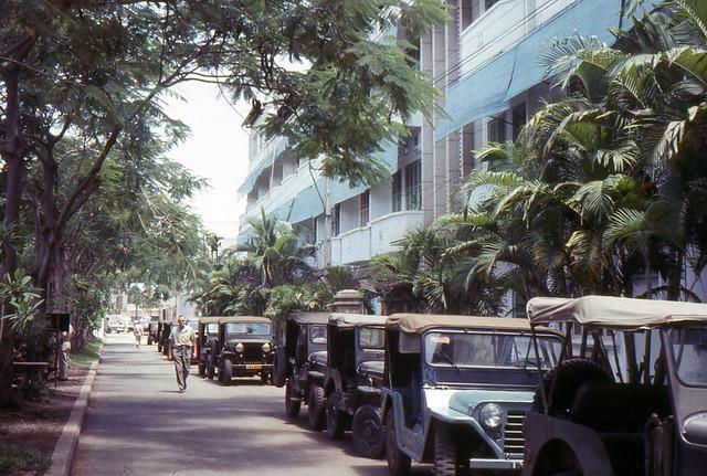 SAIGON 1965 - Cư xá sĩ quan Mỹ Five Oceans BOQ góc Yết Kiêu-Hùng Vương, gần phía sau Chợ An Đông