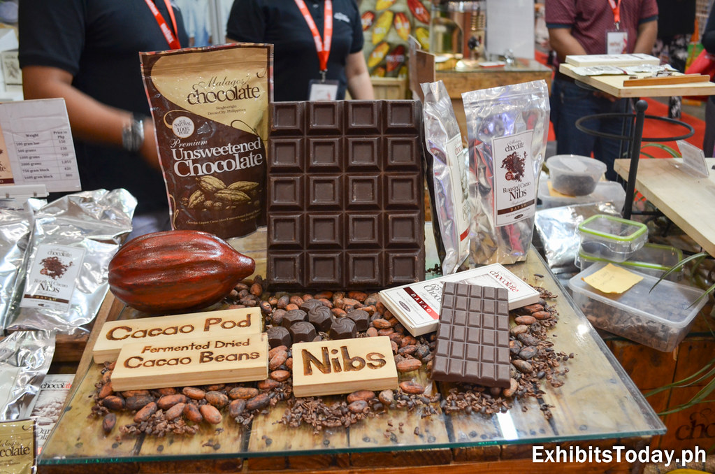 Malagos Chocolate Product Displays