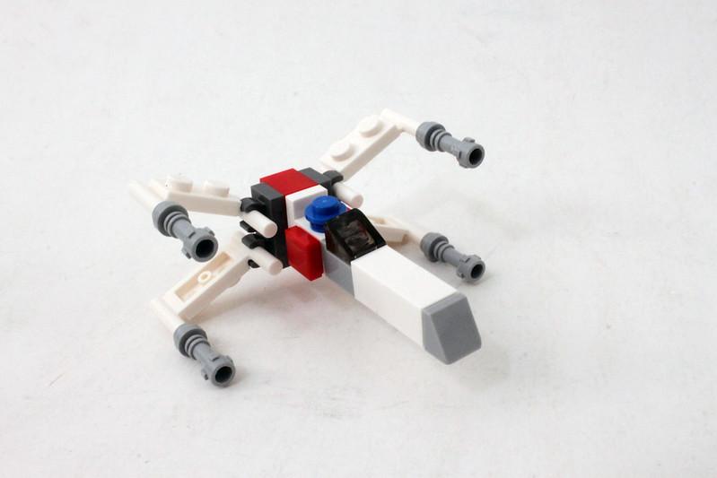 Review - LEGO Star Wars SDCC 2015 Dagobah Mini-Build από Brick Fan 19931249046_a0d620809d_c
