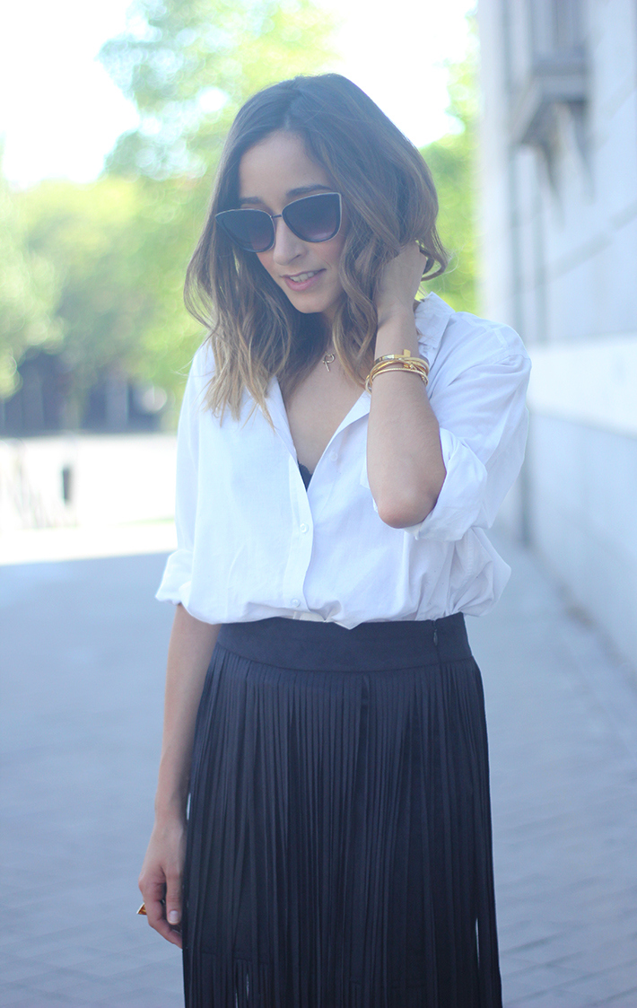 Fringed Black Skirt White Shirt Outfit Carolina Herrera Sandals11