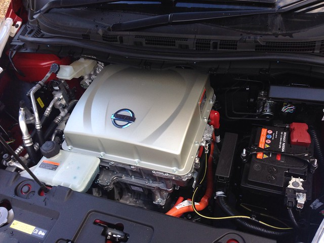 Nissan #leaf under the bonnet