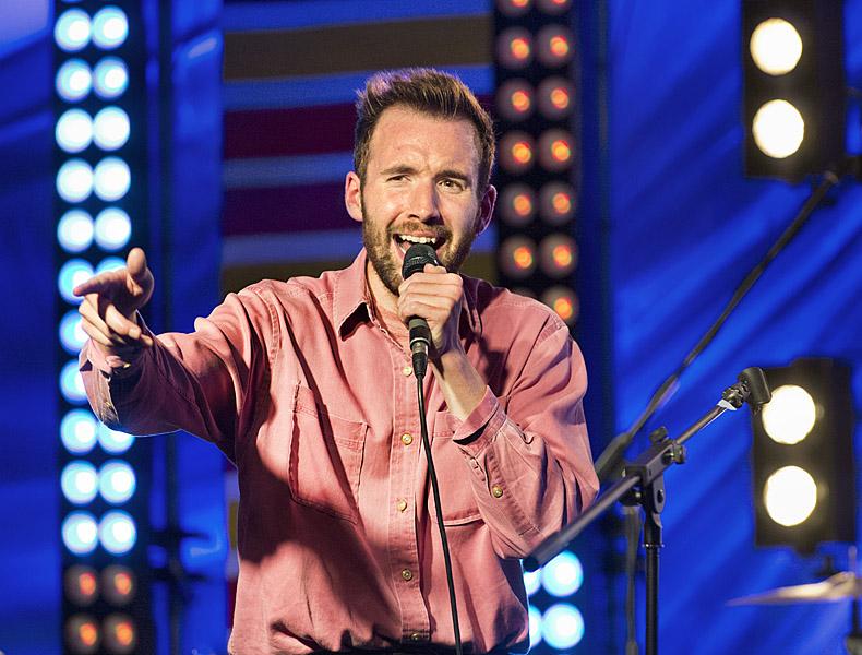 Dutch Uncles, lead singer Duncan Wallis