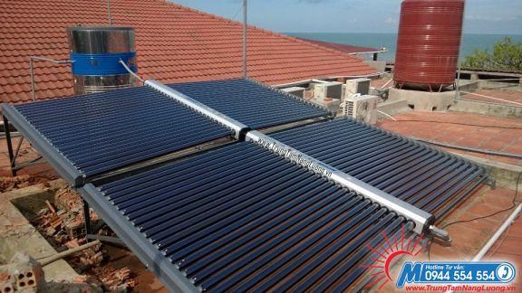 Với mái nhà có khả năng chịu lực tốt, lắp đặt máy nước nóng năng lượng mặt trời không quá phức tạp