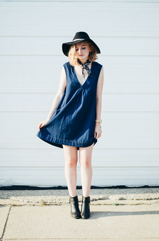 Denim Dress and Bandana Neck Tie from Free People and Jord Wooden Watch on juliettelaura.blogspot.com