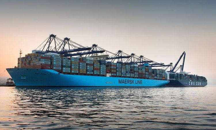 puerto contenedores maersk barco 24