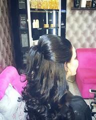 تسريحة بصالون فوشيه للتجميل  Hair style  done by fuchsia beauty ☎ 24488460 Whatsapp only  92012222  #lOreal #hairstylist #oman #lorealpro #haircare #haircolor #hairsalon #lorealparis #matrix #mythic #lorealprofessionnel #عمان #سلطنة_عمان  #مسقط #الكويت #ق