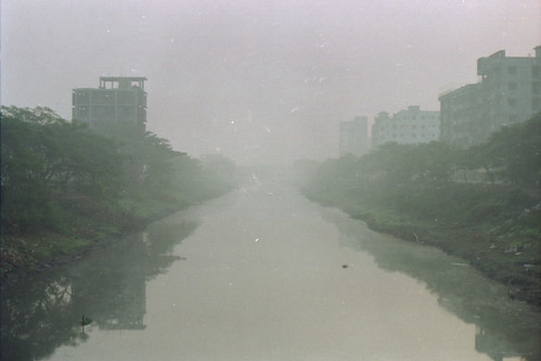 winter mist film water fog mystery analog sunrise dawn canal random foggy thoughts mysterious fujifilm dhaka bangladesh banasree rampura hexanon50mmf17 fujicolorc200 dhakadivision aftabnagar konicaautoreflext3n rampurakhal sheikhshahriarahmed