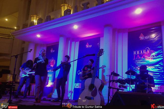 BragaJazzWalk-TributetoGunturSatria-GFRTrio-Erick-Anggie (6)