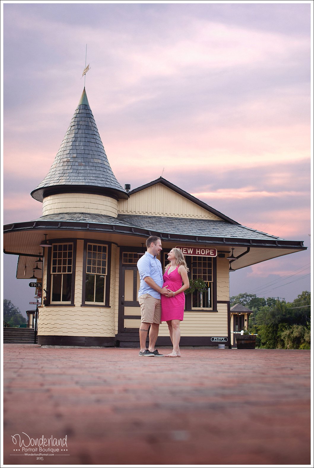 New Hope Train Station Maternity Couple Portrait | WonderlandPortrait.com