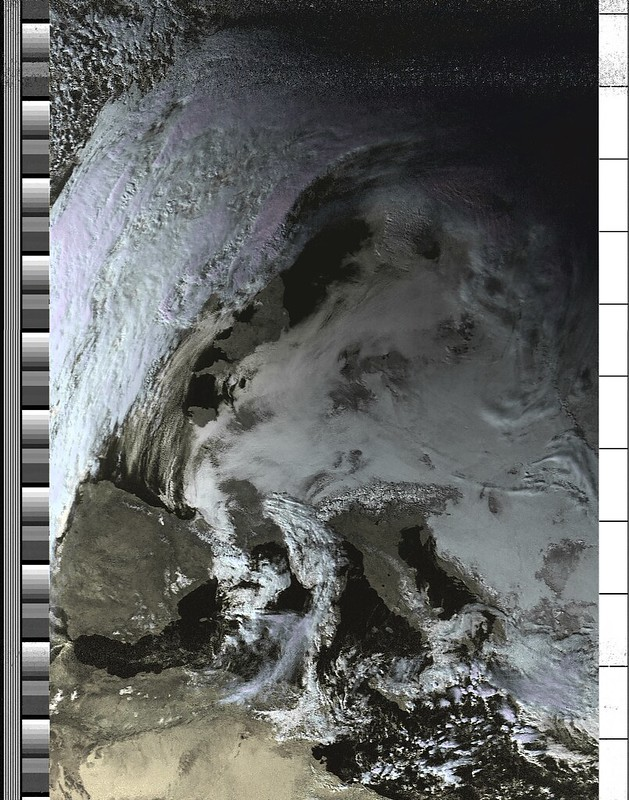 NOAA-19 orbit 41027 on 20170125 13:52:06 UTC (HVC)