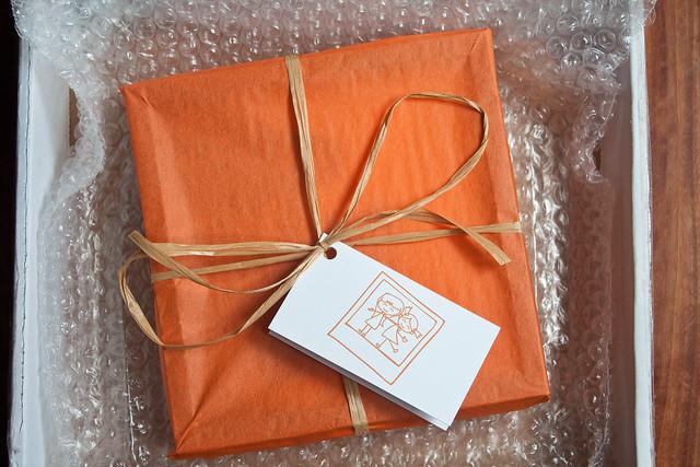 Pictli gift wrap