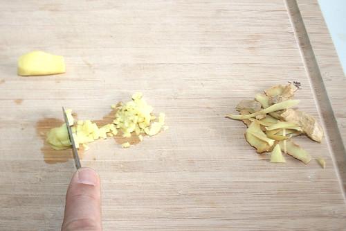 15 - Ingwer schälen & zerkleinern / Peel & mince ginger