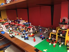 Lego town race day