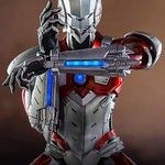 threezero 超人力霸王【新時代:早田進次郎】ULTRAMAN SUIT 1/6 比例人偶作品
