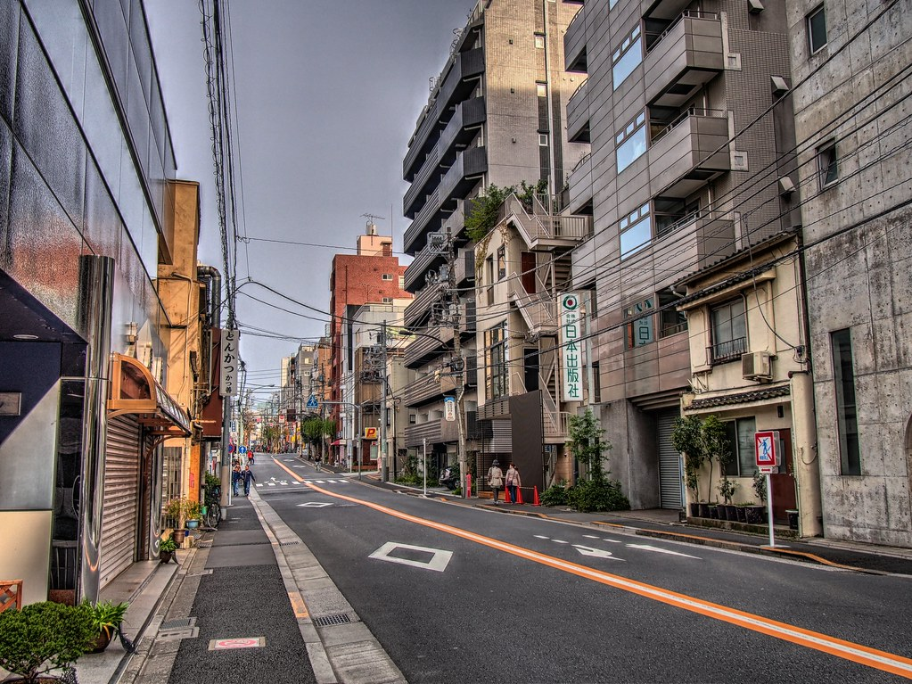早稲田通りを行く