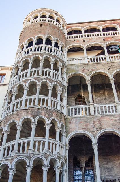 20150524-Venice-Palazzo-Contarini-del-Bovolo-Staircase-0898