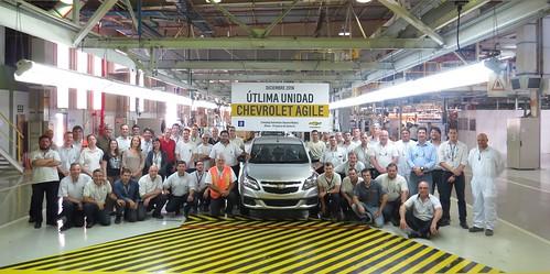 Última unidad producida del Chevrolet Agile en el Complejo Automotor de GM en Alvear, provincia de Santa Fe copy