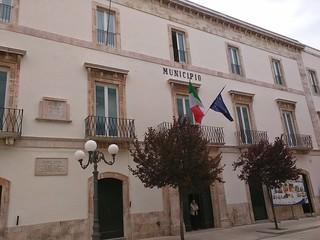 Comune di Turi, Municipio bianco