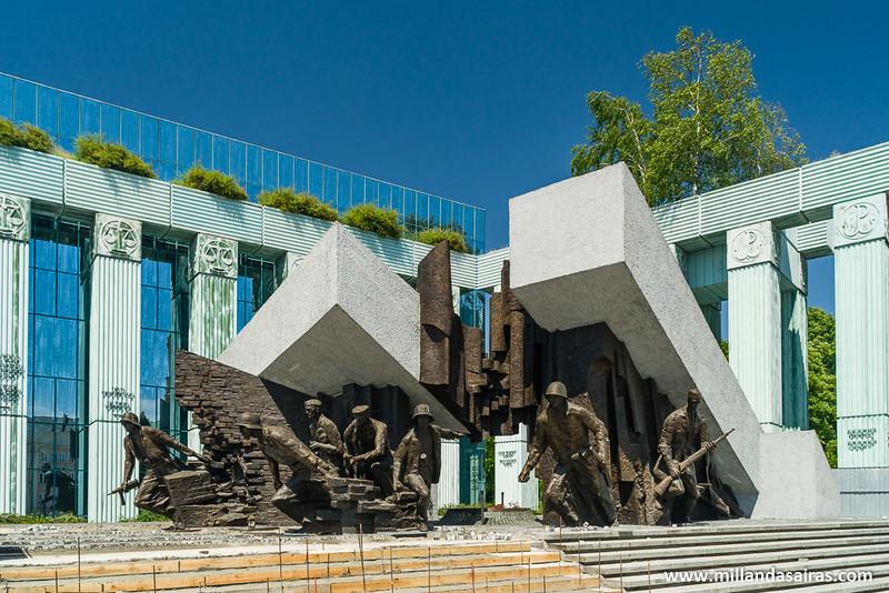 Monumento al alzamiento de Varsovia