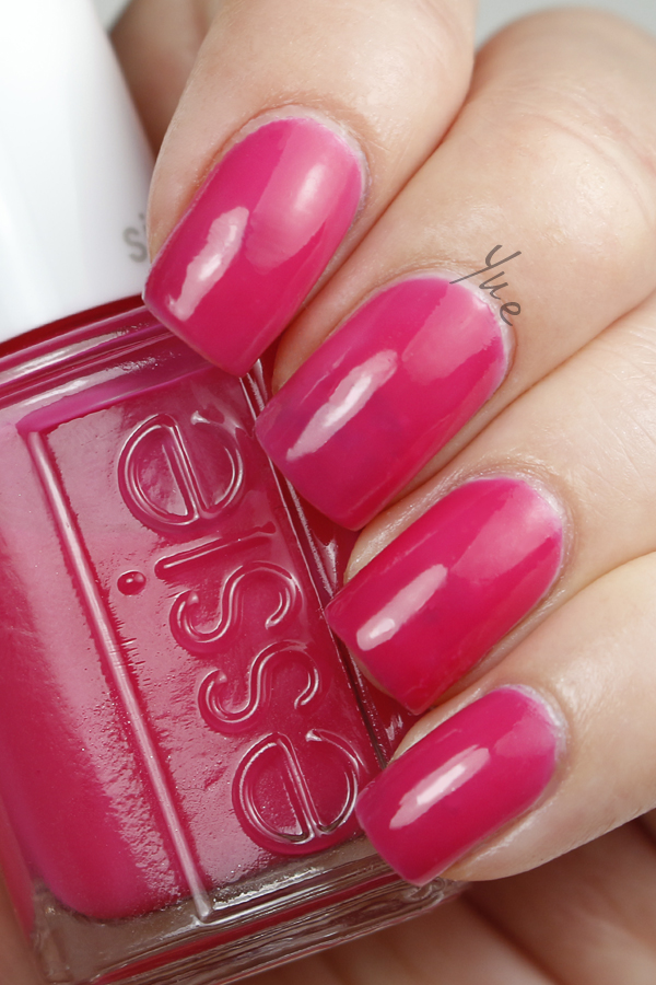 essie_silk_watercolor_love_sheen