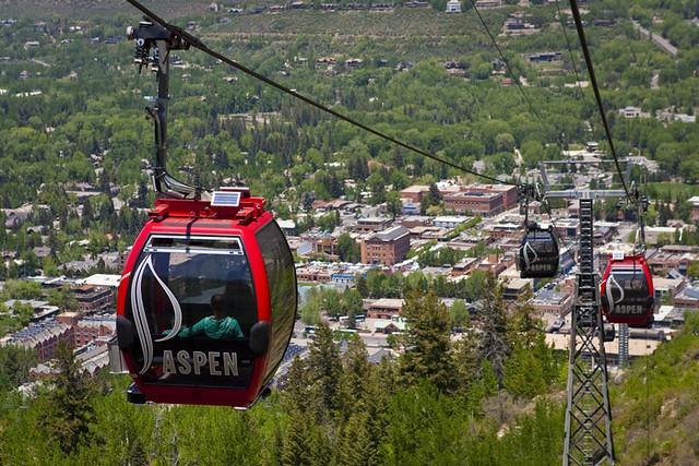 Aspen gondola (Jeremy Swanson)