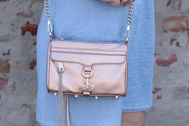 rebecca-minkoff-tasche-rosegold-minimac-blogger-style-look-sommer