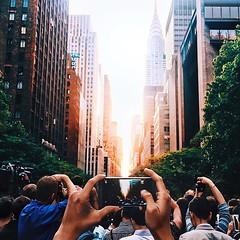 Hoy y ma�ana coincide el famoso #ManhattanHenge en #NYC. La alineaci�n solar en las calles de la Gran Manzana :blush: esta foto que publica @golden2dew lo explica todo..