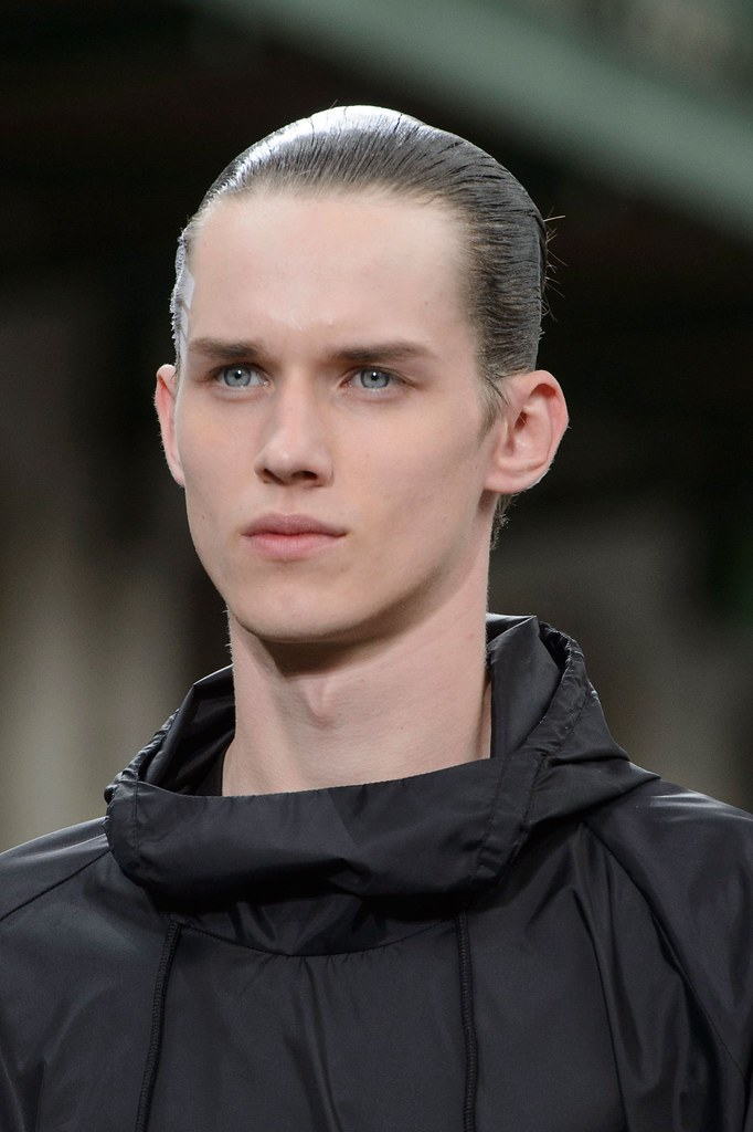 Yulian Antukh(Antuh)3219_SS16 Paris Y-3(fashionising.com)