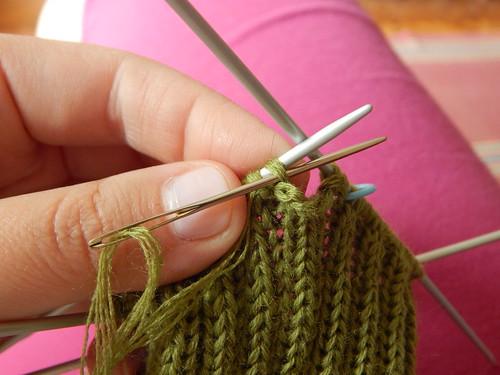 полосатые носки от мыска Гусеница, связаны на спицах.  Описание вязания и пошаговые фотографии | ХорошоГромко.ру