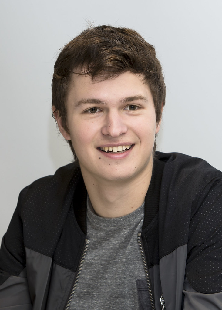 Энсел Эльгорт — Пресс-конференция «Инсургент» 2015 – 77