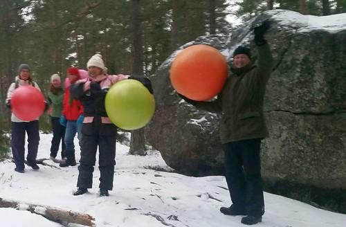 Jumppapallogolfin pöhköys. (kuva Tuula Klen)