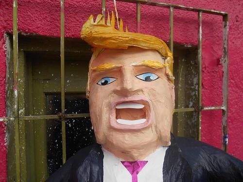 Political Piñatero
