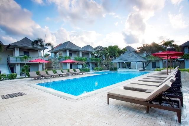 Dewi-Sri-Hotel-Pool2