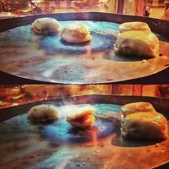 Slowly Pune Night 🌃 life began with tasting the savours.. #amazing #food #savoury #traditional #travel #Pune #Maharashtra #India #kohulan #instagood #instameet #instamood #instadaily #instalike #photooftheday #sweet #sour