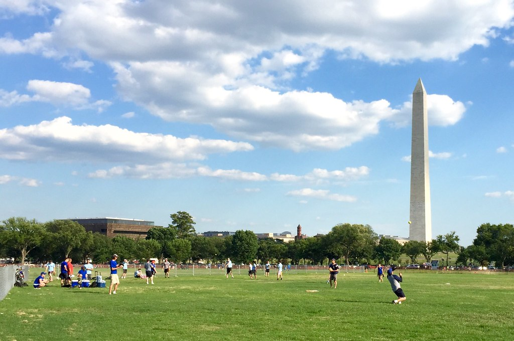Lovely weather on the Ellipse