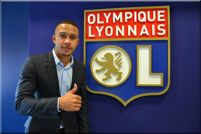Memphis Depay resmen Lyon'da