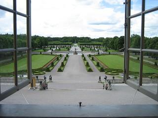 Зображення Drottningholm Palace поблизу Drottningholm. world heritage gardens geotagged site sweden royal palace unesco sverige scandinavia novideo drottningholm lovön geo:lat=593217 geo:lon=1788645