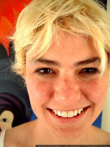 bleach blonde rachel smiling in front of megan's painting   dscf5589