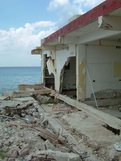 info for short essay on hurricane wilma