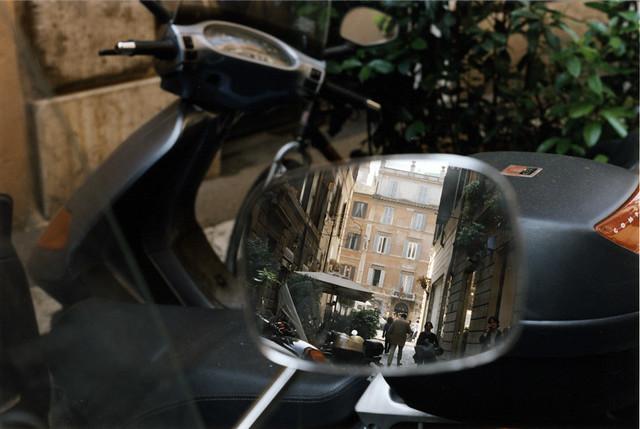 Vespas on Via delle Carrozze