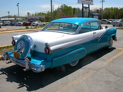 automobile, automotive exterior, pontiac chieftain, vehicle, full-size car, antique car, sedan, land vehicle, luxury vehicle, motor vehicle,