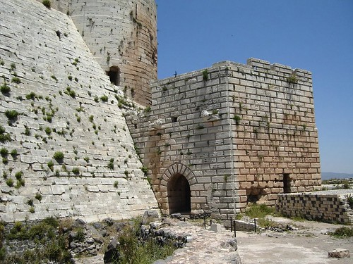 castle history citadel worldheritagesite syria homs krakdeschevaliers cracdeschevaliers ourtrips districtofhoms governorateofhoms hovic