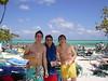Carlos, César y Sergio con el rico cocoloco
